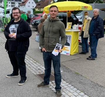 FDP Stadtverband Leonberg auf den Wochenmärkten präsent