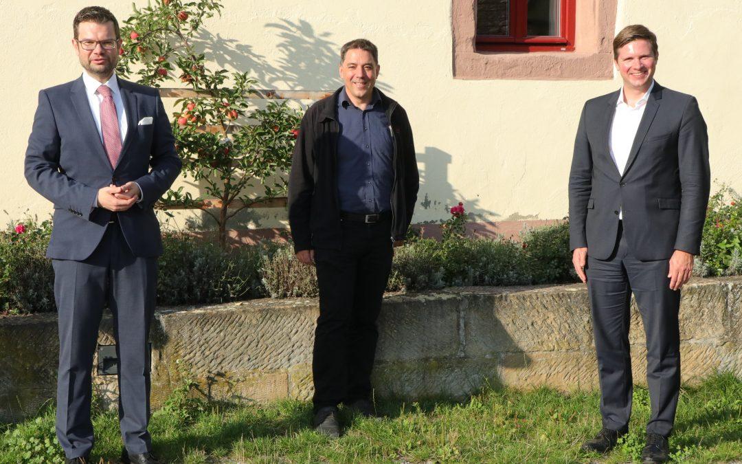 Dr. Marco Buschmann und Dr. Florian Toncar besuchen das Leonberger Seehaus